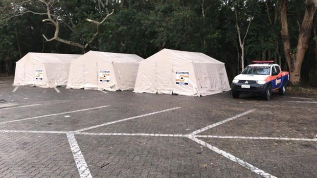 Onda de frio: Pessoas em situação de rua são acolhidas em barracas na Cidade Imperial