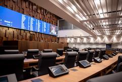Alerj inaugura novo plenário que conta com moderno painel eletrônico e mais conforto