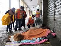 Frio e mais frio: População em situação de rua em Niterói recebe acolhimento emergencial