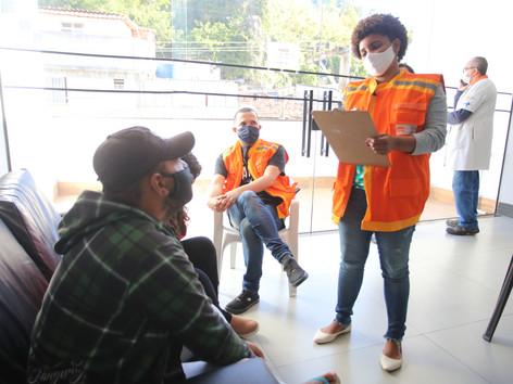 Sessenta pessoas em situação de rua acolhidas nos abrigos de Niterói passam por avaliação de saúde