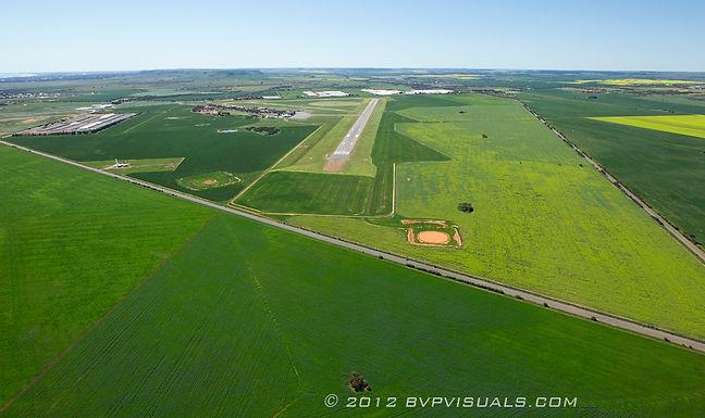 26. Geraldton Airport.jpg