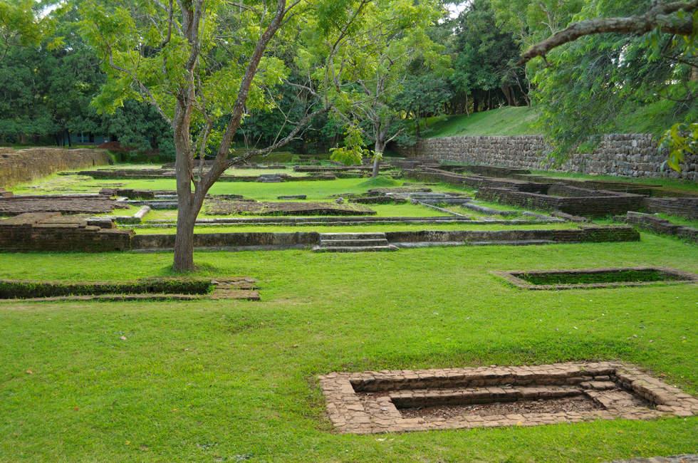 Fundamenty, Sigiriya