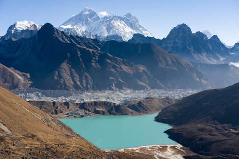 Jezioro Gokyo i szczty Everestu