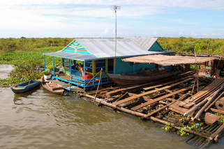 Pływający dom na Tonle Sap, Kambodża