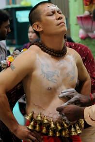 Przygotowanie do procesji Thaipusam