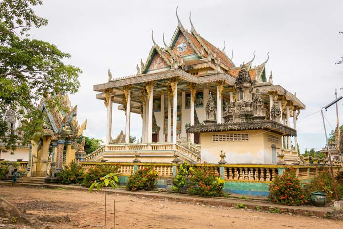 Nowa świątynia Wat Ek Phnom, Battambang, Kambodża. Fotografia Maciej Rutkowski