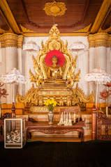 Posąg Buddy w klasztorze Atumashi, Mandalay