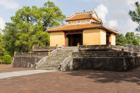 Budynek na terenie grobowca, Hue