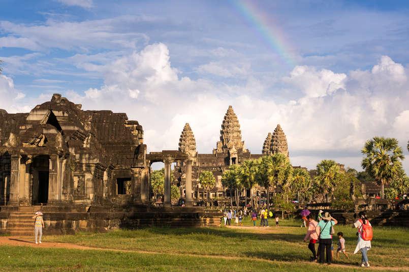 Tęcza nad świątynią Angkor Wat, Kambodża