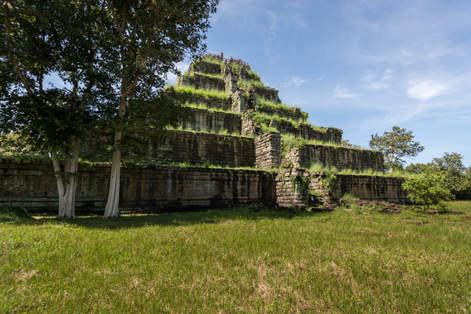 Świątynia Prasat Thom, Koh Ker, Kambodża. Fotografia Maciej Rutkowski