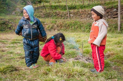 Nepalskie dzieci, rejon Annapurny