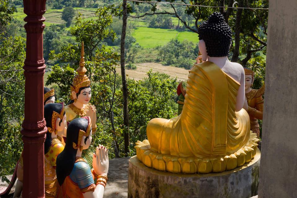Budda niedaleko Kratie w Kambodży