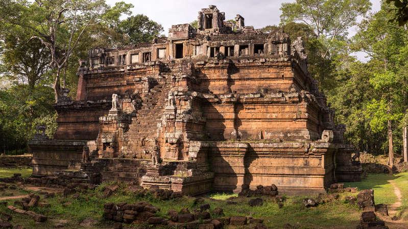 Świątynia Phimeanakas,  Angkor, Kambodża. Fotografia Maciej Rutkowski