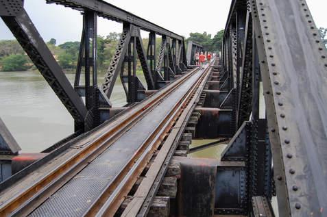 Most na rzece Kwai, Kanchanaburi, Tajlandia