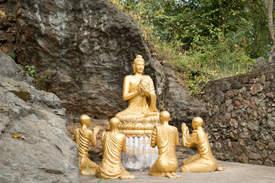 Budda na wzgórzu Phou Si
