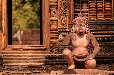 Posąg w Banteay Srei