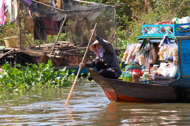 Pływający Sklep, Tonle Sap, Kambodża
