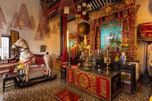 wnętrze świątyni w Hoi An