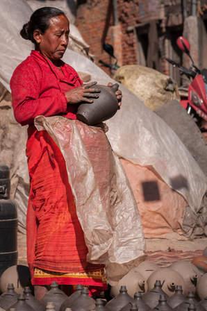 Garncarka z Bhaktapur, Nepal
