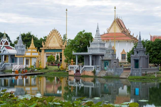 Niewielka buddyjska świątynia, Kampong Thom, Kambodża