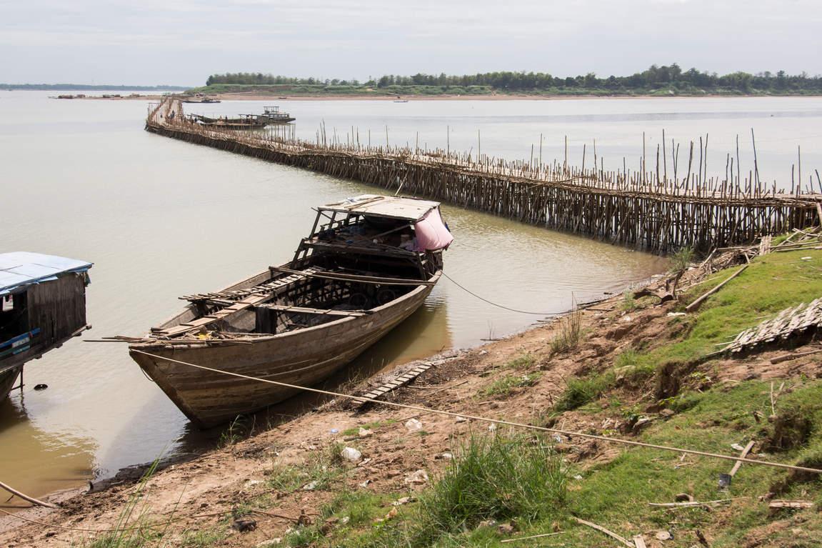 Łudź na Mekongu i bambusowy most