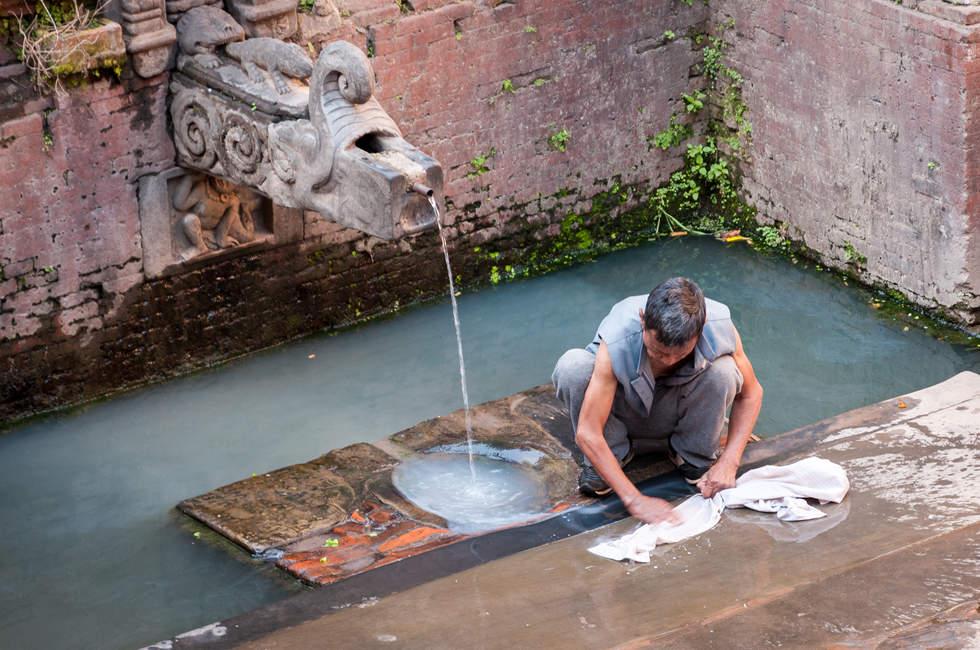 """Miejska """"pralnia"""" w Bhaktapurze"""