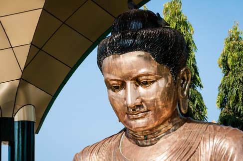 Posąg Buddy, Yangon, Myanmar