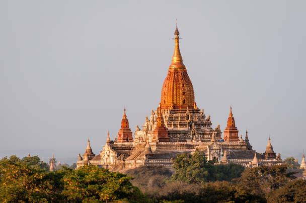 Świątynia Ananda, Bagan, Birma