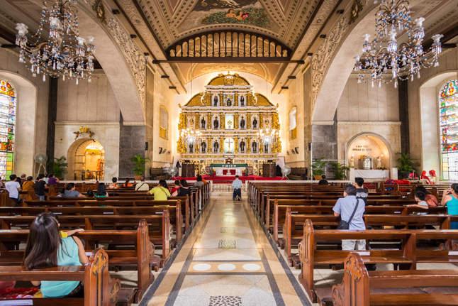 Wnętrze Bazyliki del Santo Niño