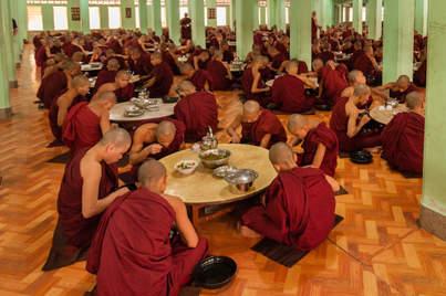Posiłek mnichów, klasztor, Bago