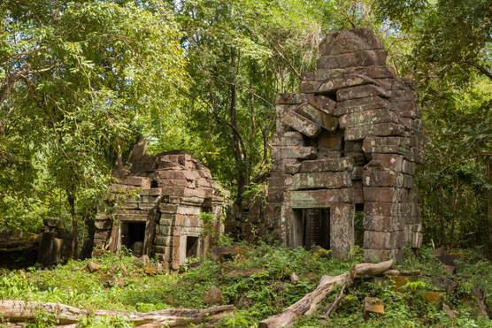 Świątynia Mebon, kompleks Preah Khan Kampong Svay, Kambodża. Fotografia Maciej Rutkowski.