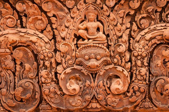 Płaskorzeźby w świątyni Banteay Srei