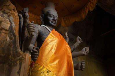 Posąg Wisznu, Angkor Wat, Kambodża