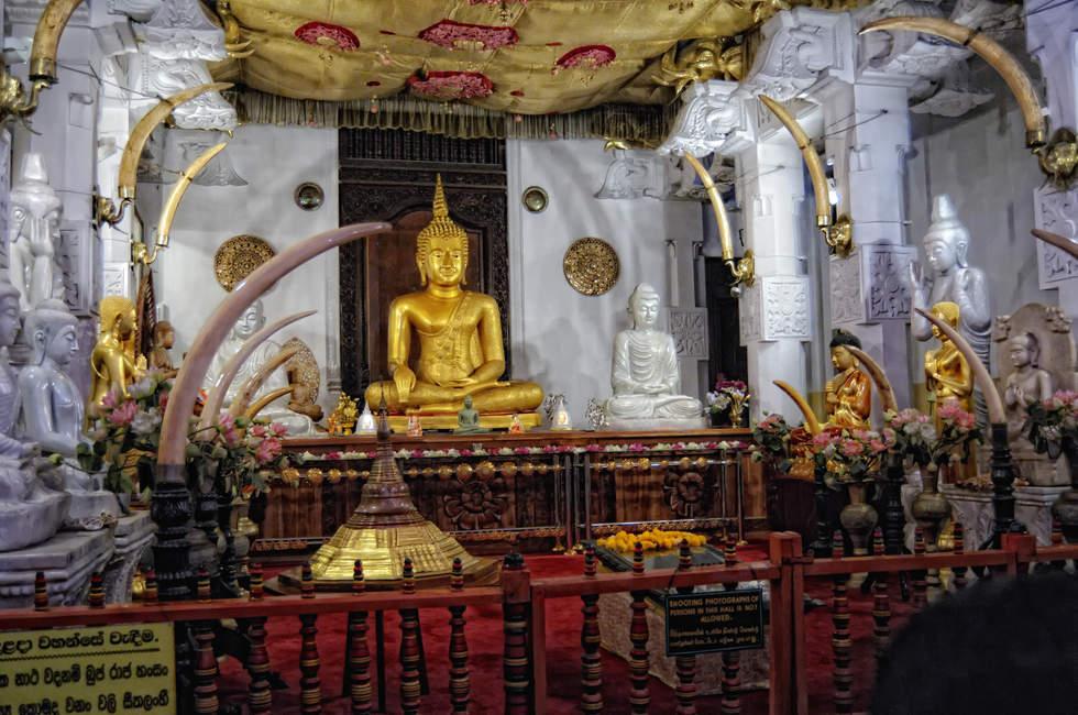 Świątynia Zęba, Kandy, Sri Lanka