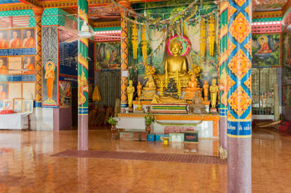 Budda w świątyni na Phnom Pros, Kampong Cham