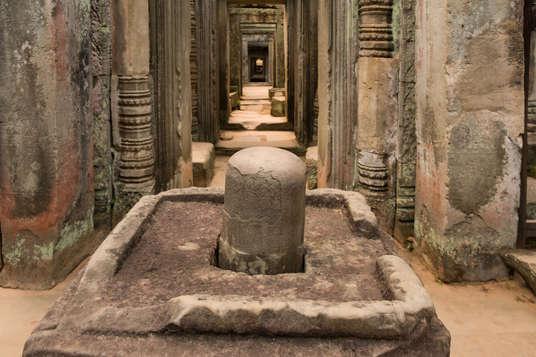 Lingam w świątyni Preah Khan, Kambodża