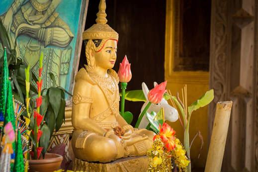 Budda w świątyni Phnom Sampeau