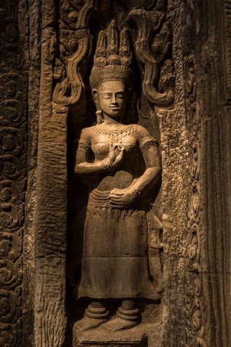 Apsara w świątyni Ta Prohm, Kambodża