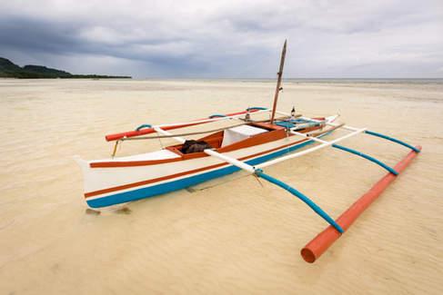 Łódź na plaży, Bohol