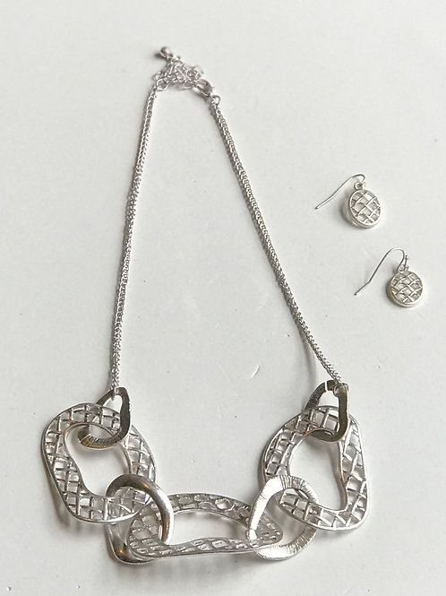 Cut-It-Out Necklace Set