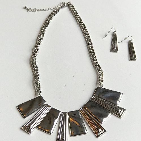 """Silver """"Fan"""" Necklace Set"""