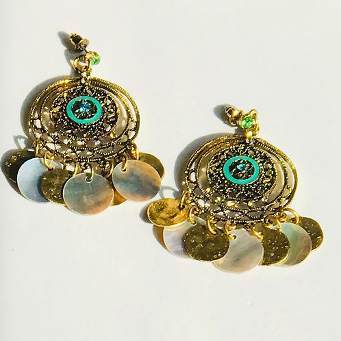 Gold Mussell Shell Earrings