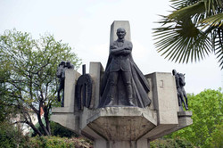 1982-İstanbul-Veliefendi-Hipodromu-Atatürk-Anıtı-_2