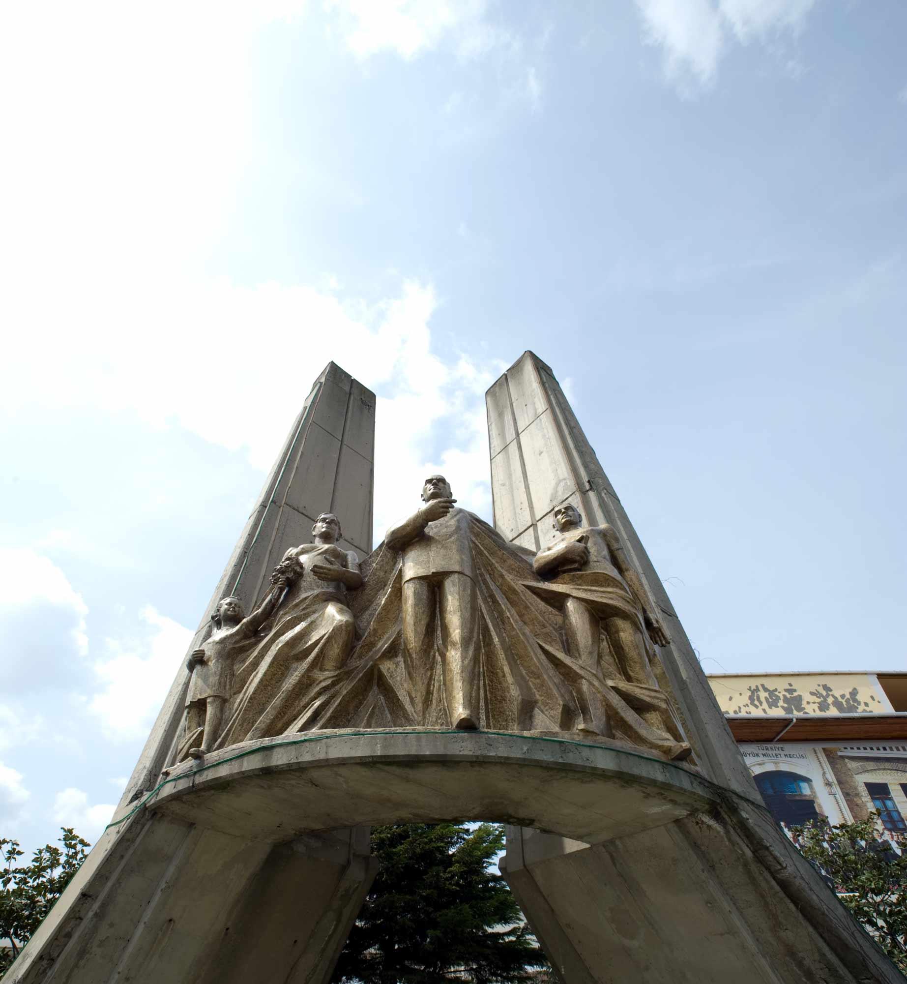 1988-Bakırköy-Atatürk-Anıtı_3
