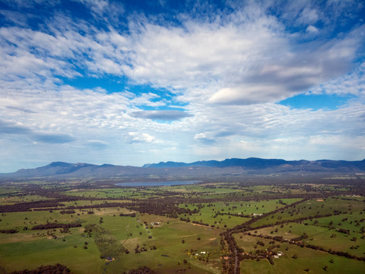 Our top 5 ways to see the sights of Halls Gap and Gariwerd/ the Grampians
