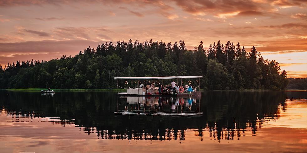 VAKARS UZ EZERA   DINNER ON THE LAKE