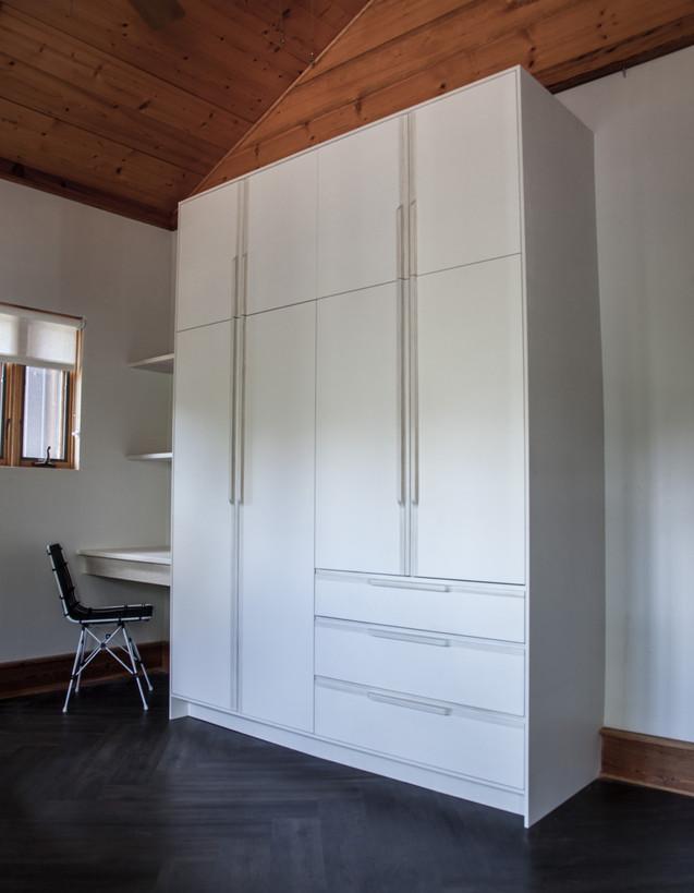 ogburn closet (1 of 4).jpg
