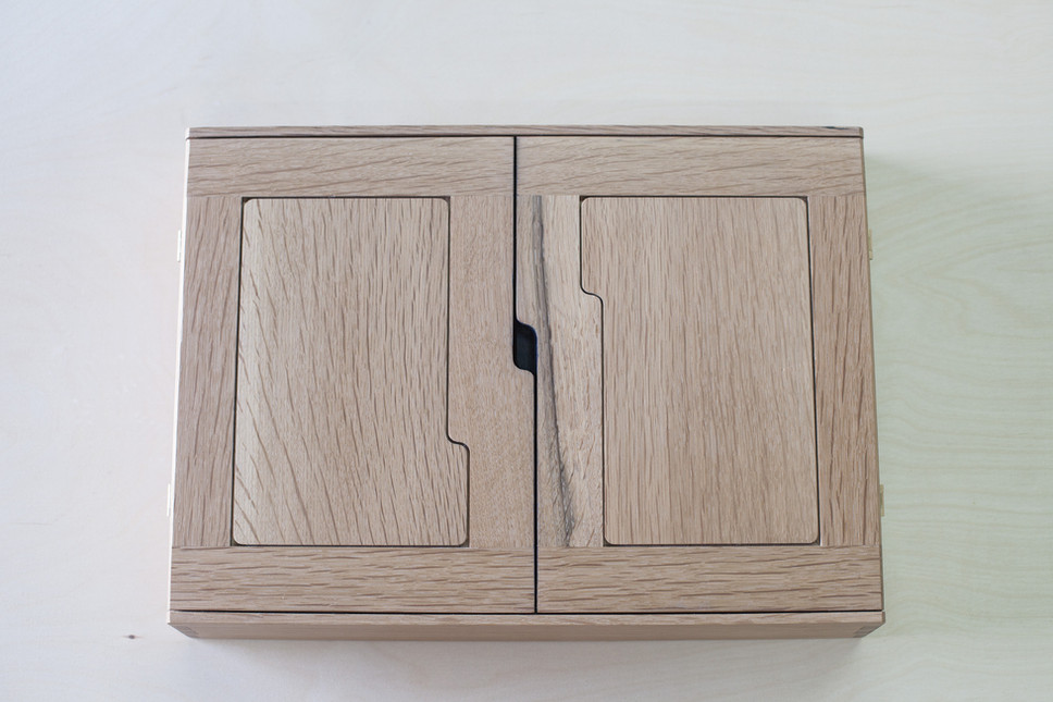 bloodroot box(2) quarter sawn oak (1 of