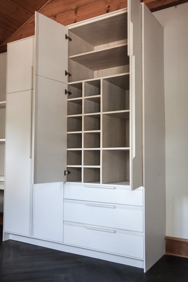 ogburn closet (2 of 4).jpg