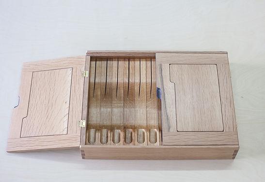 bloodroot box(2) quarter sawn oak (3 of